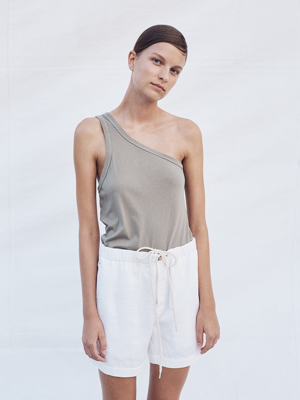 women resort 2018 linen look 2