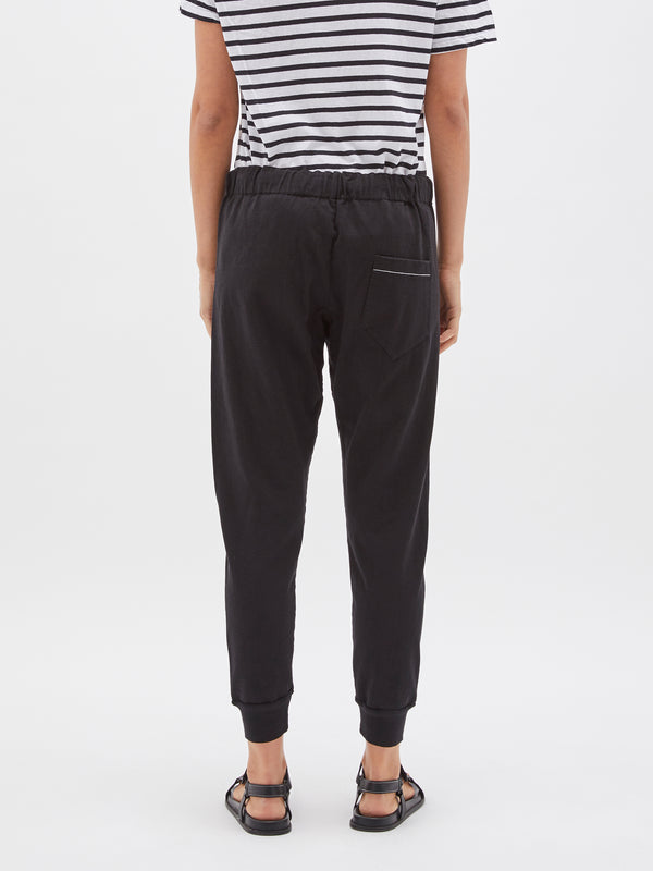 bassike classic slim tapered trackpant in black