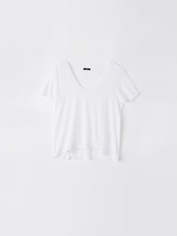 bassike minimal v neck t.shirt in white