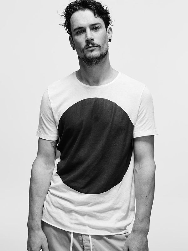 bassike dot t.shirt in white / black dot