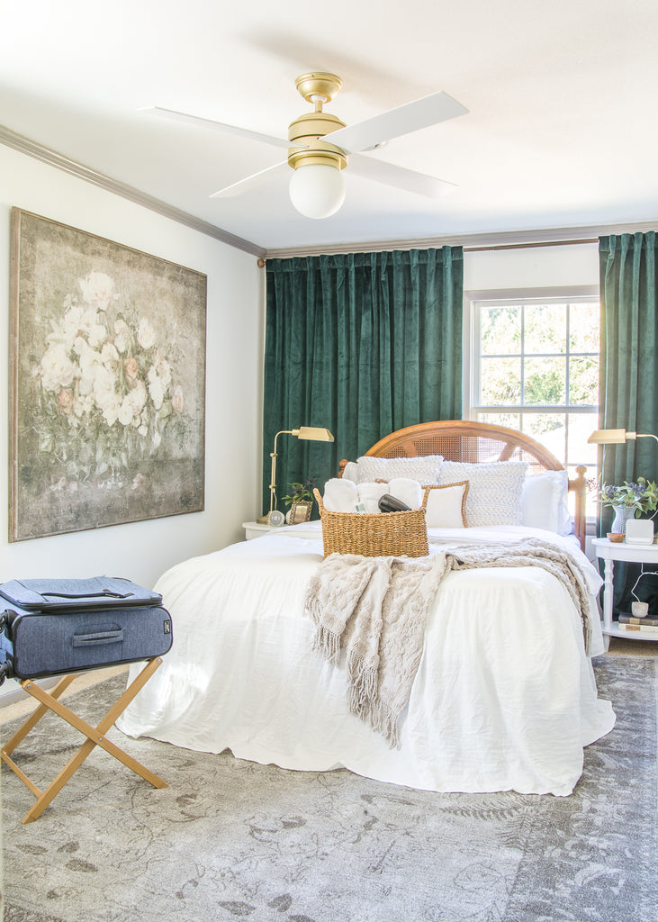 A master list of all of the best amenities and essentials to set up your guest bedroom like a hotel suite to help guests feel pampered and relaxed