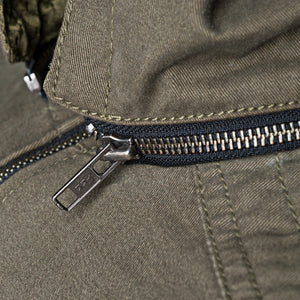 ZIPPER DETAIL