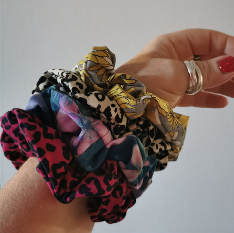 4 Surprise Scrunchie set