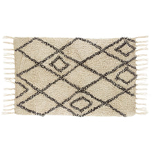 Load image into Gallery viewer, Berber style diamonds tufted rug