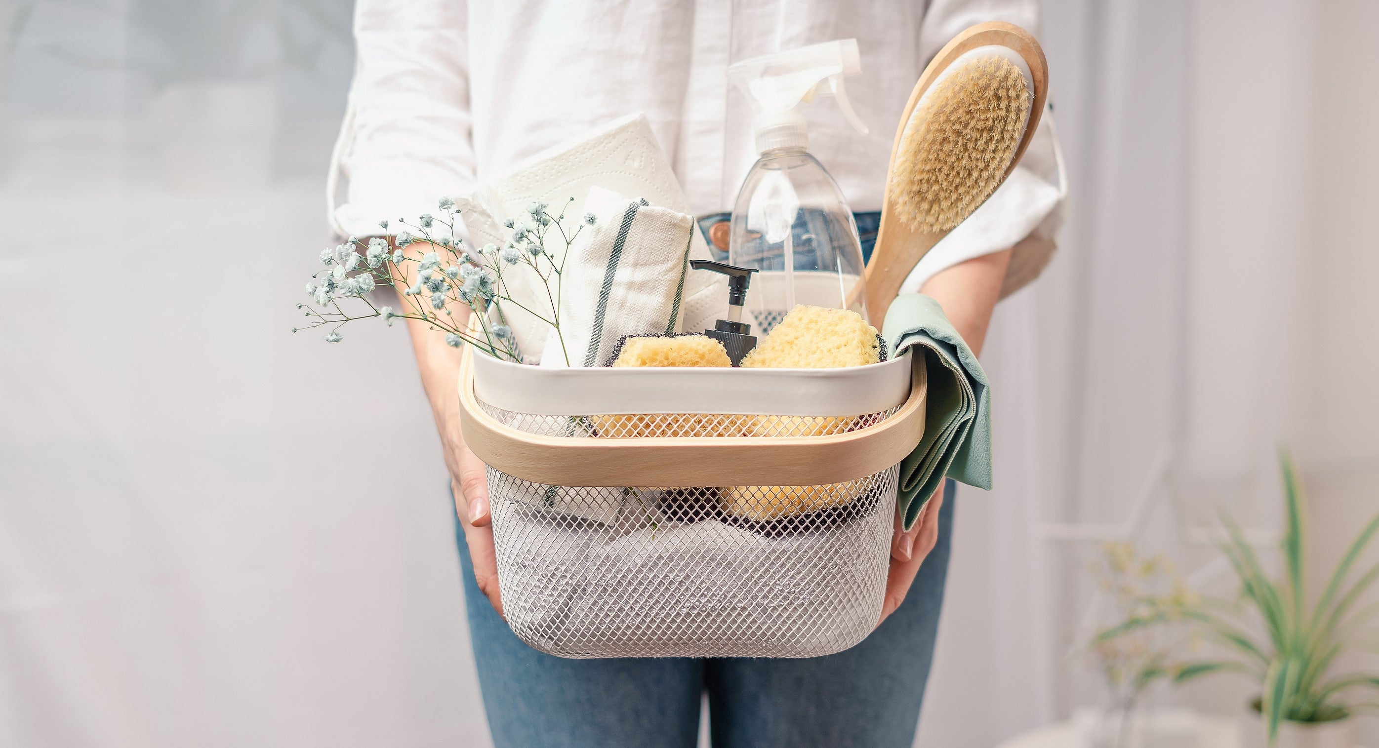 15 Spring Cleaning Tips & Tricks