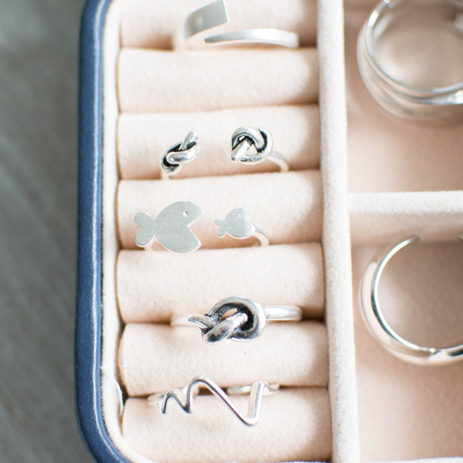 Single Knot Silver Ring - Accessories Coastal Lifestyle Jewellery Rings Rope Knots