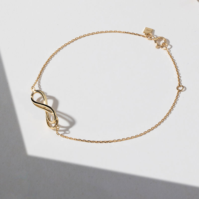 The Light and Shadow Chain Bracelet