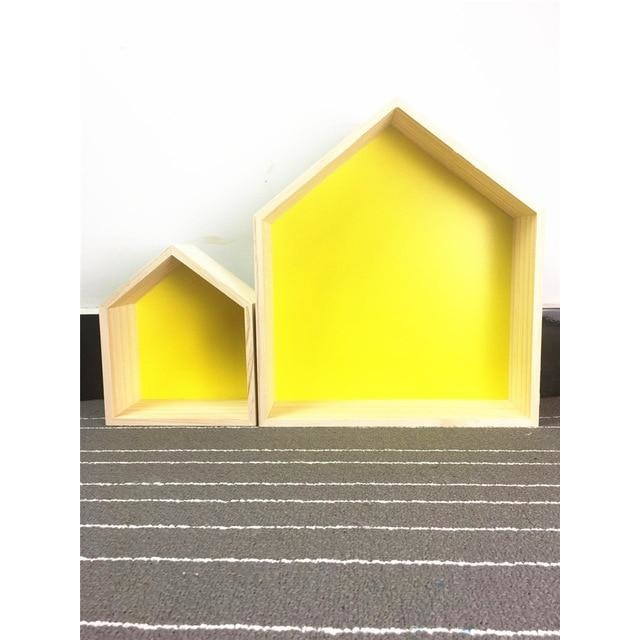 w. Double layer wooden house - yellow