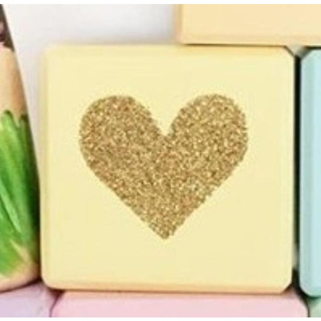 Wooden Glittering Heart Block - 1pc yellow / 5X5X5CM