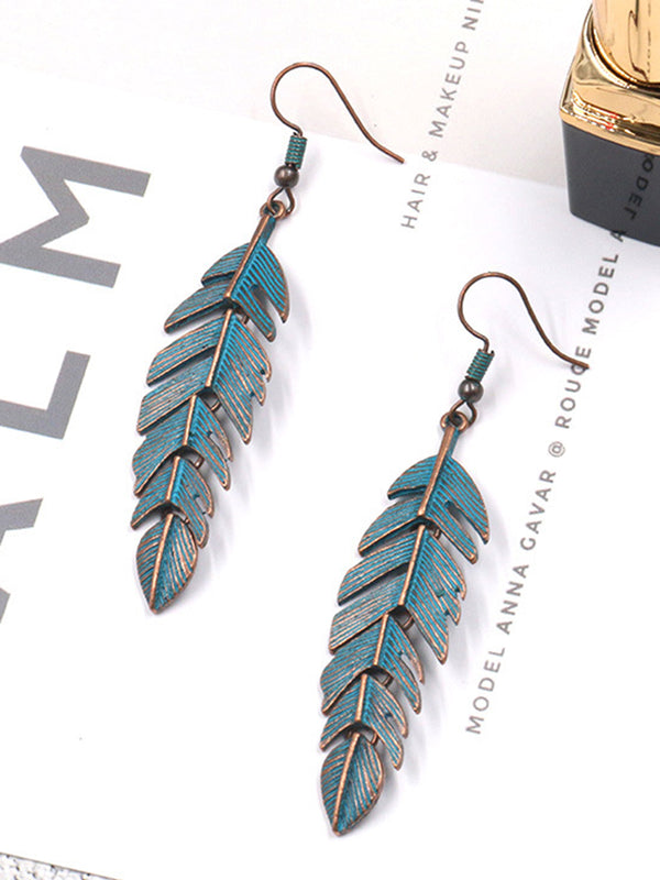 Chic Materials Tassel Leaves Earrings