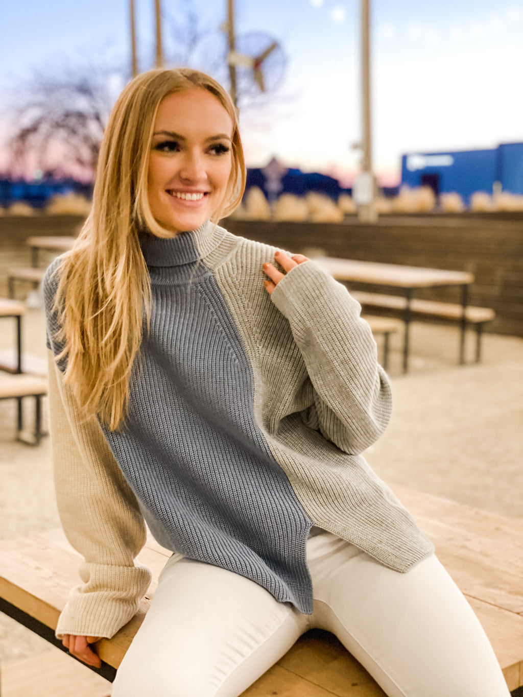 CREAM/BLUE/GRAY BLOCK SWEATER