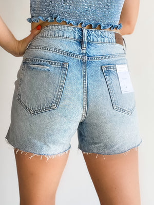 SOFIE MOM SIDE SLIT SHORTS