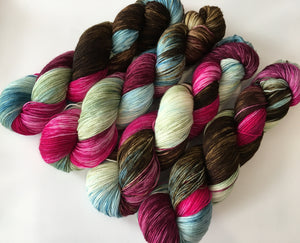 superwash sock yarn in browns and pinks