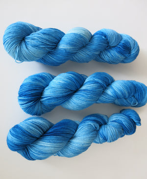 blue kettle dyed yarn for weaving and textile crafts