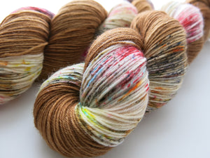 hand dyed yarn inspired by fear and loathing adrenochrome