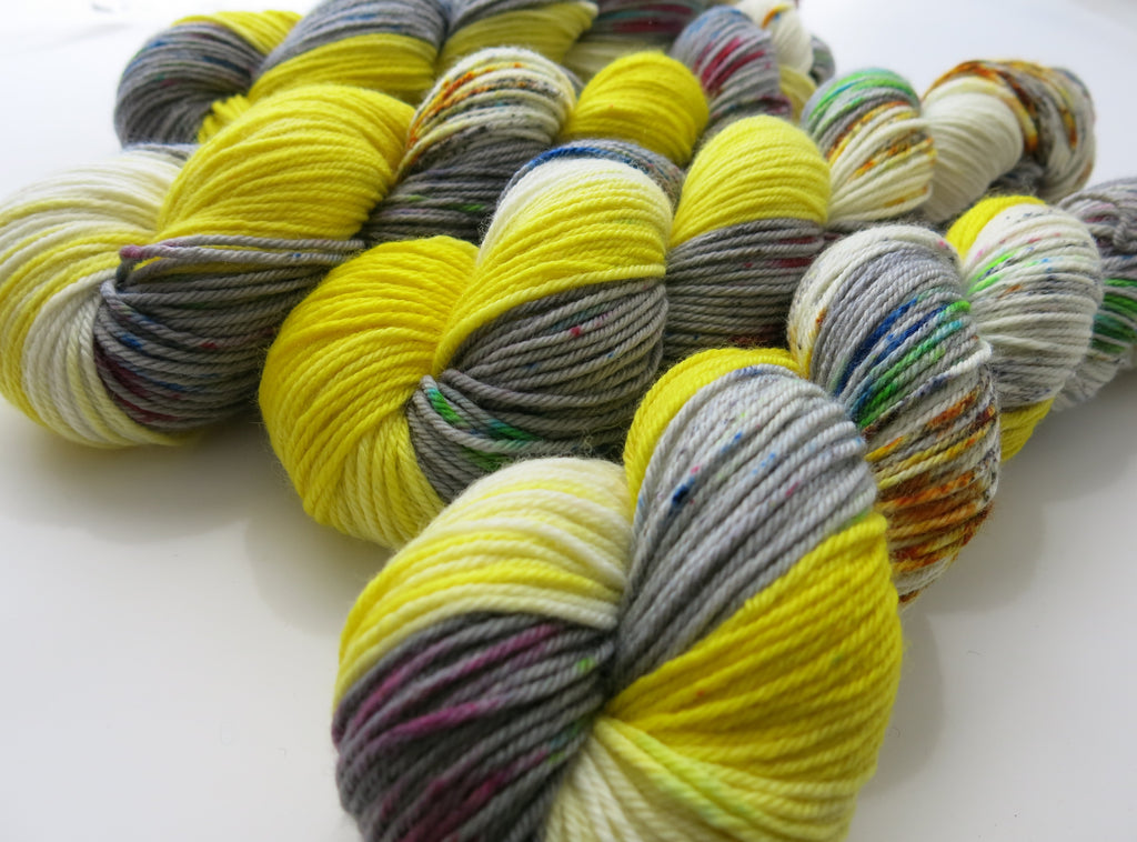 indie dyed yarn inspired by fear and loathing