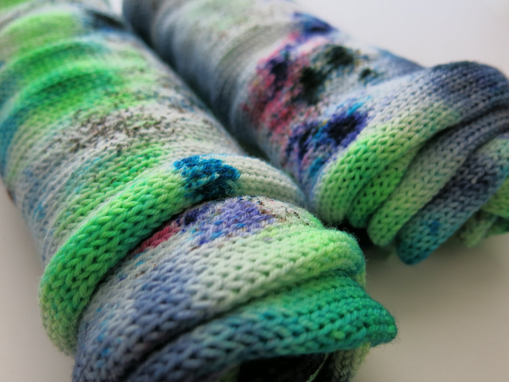 hand dyed single standed sock blank with speckles
