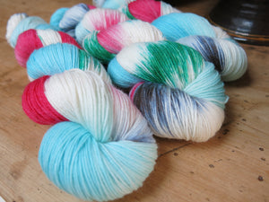 indie dyed christmas story yarn