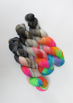 hand dyed uv reactive yarn by my mama knits