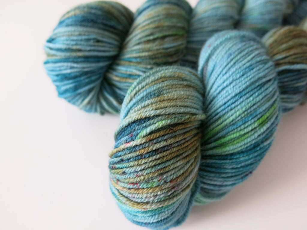 siren water lore inspred dk yarn with speckles