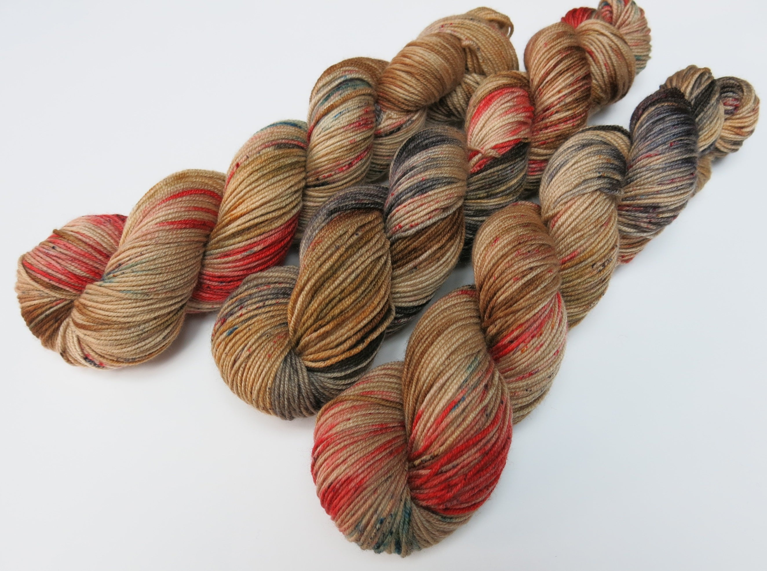 hand dyed christmas reindeer yarn with speckles