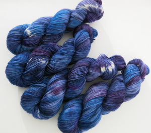 hand dyed bfl british wool skein