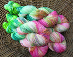handyed uv reactive yarn
