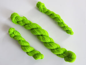 hand dyed green uv reactive mini skein