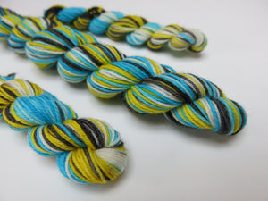 hand dyed blue and yellow superwash merino mini skeins