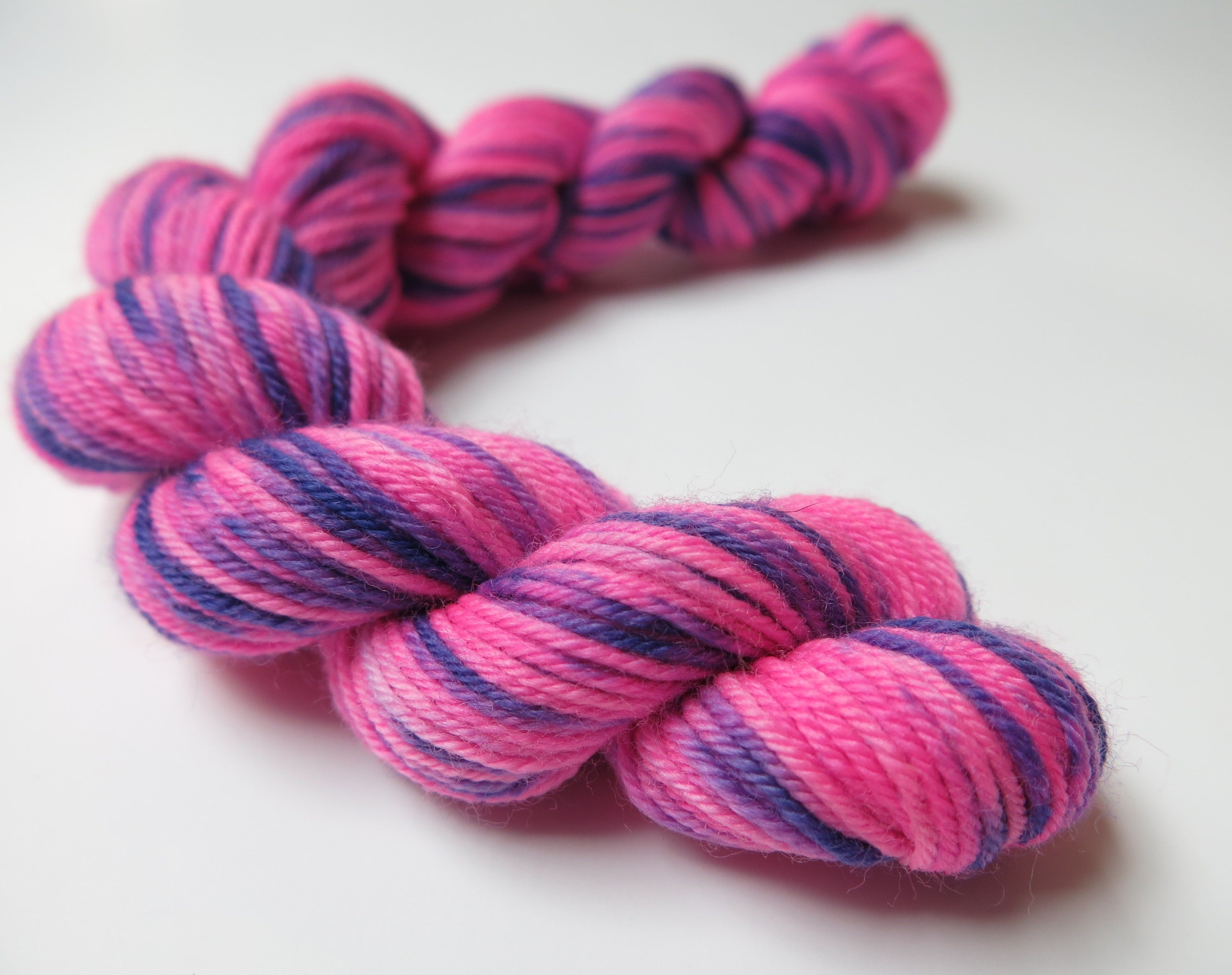 indie dyed chesire cat uv reactive mini skein
