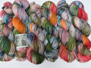 lizard lounge hand dyed on moon salad dk