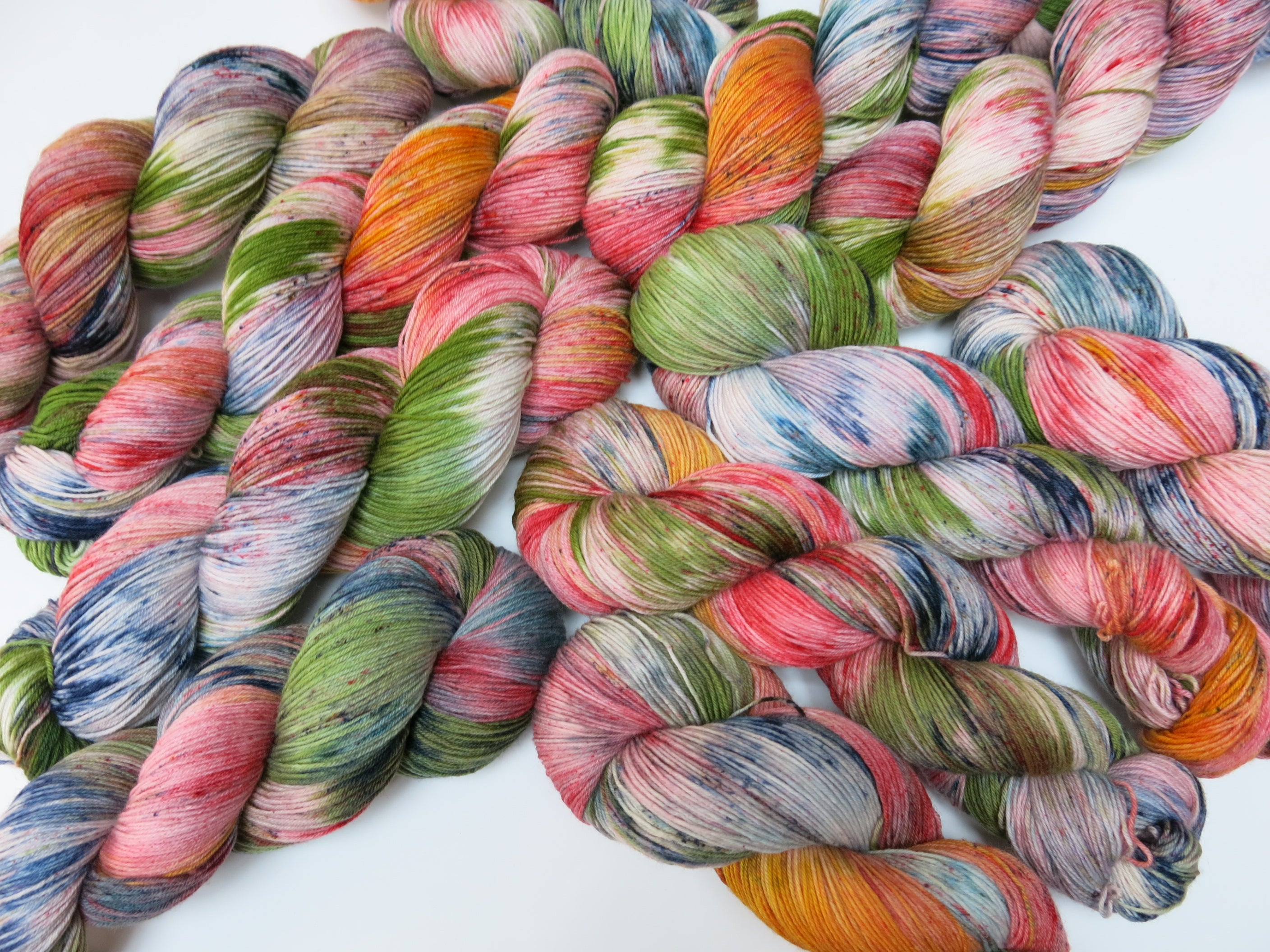 lizard lounge hand dyed yarn inspired by fear and loathing