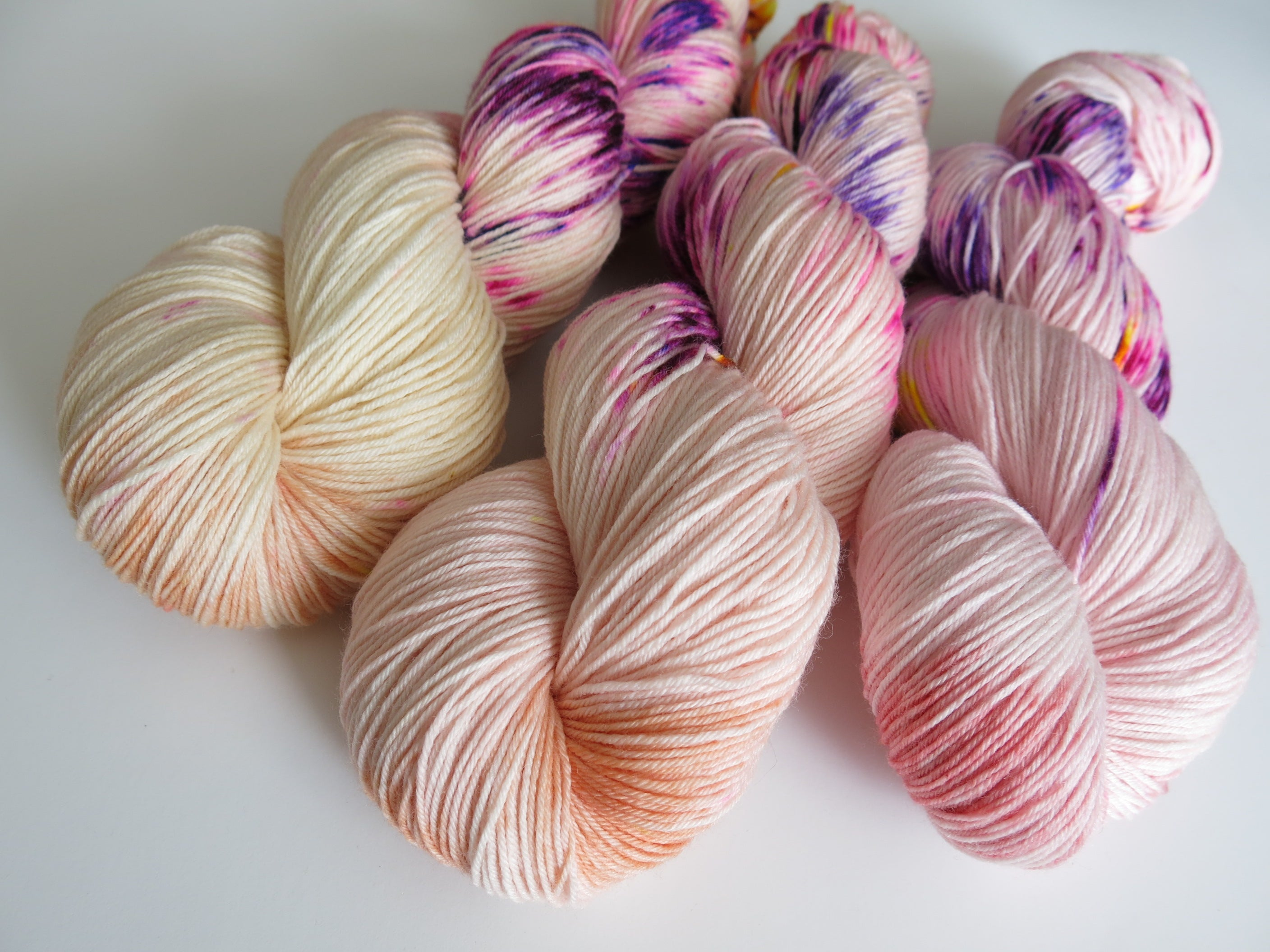 hand dyed merino and nylon sock yarn in flesh tones