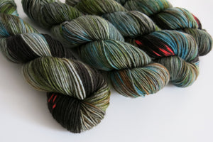 dk merino yarn hand dyed in scotland by my mama knits