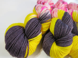 dk yarn with nylon for valentine sock knitting