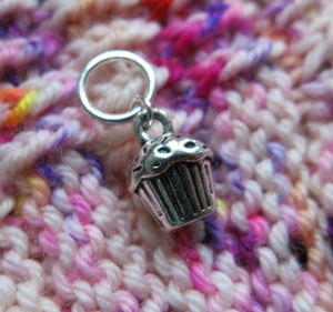 silver 3d cupcake charm stitch marker for knitting