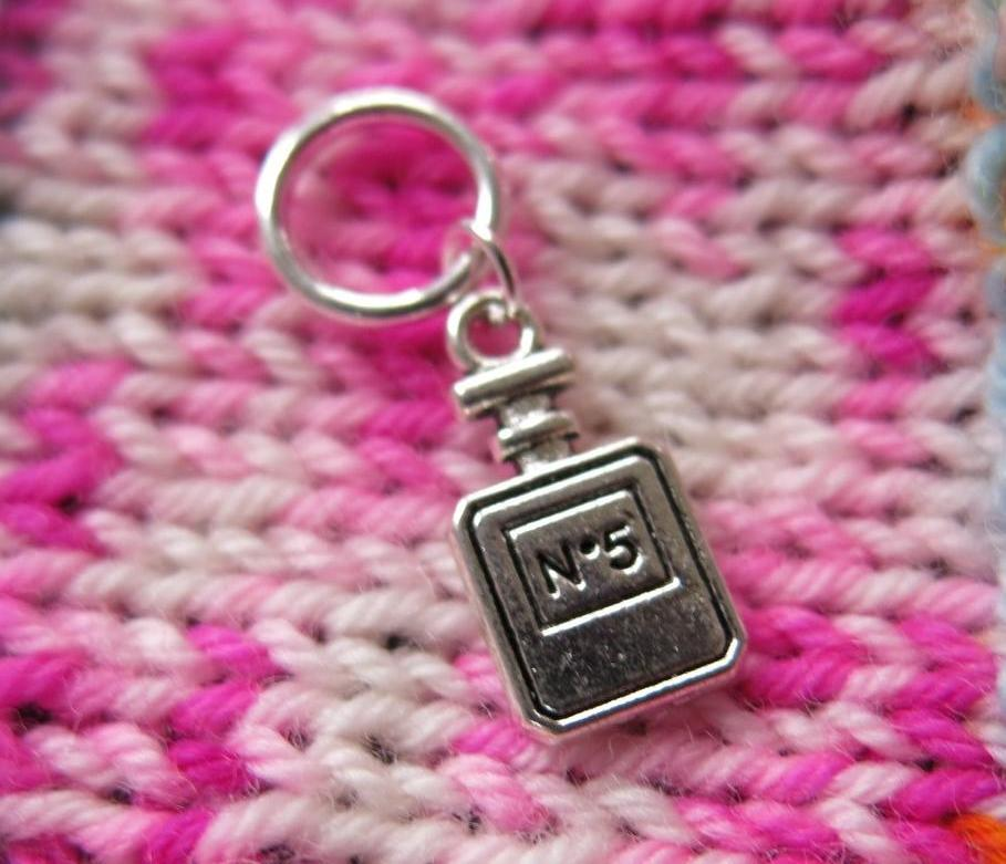 chanel no 5 charm on a snagless ring for knitting