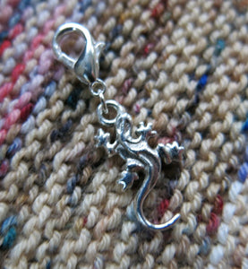 silver lizard charm on a clasp for bracelets, crochet and zipper pulls