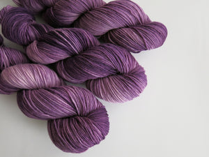 tonal purple kettle dyed merino wool for knitting