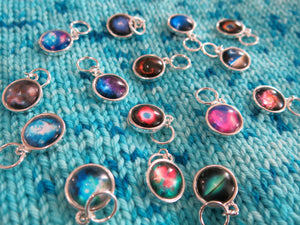 space nebula and stars snagless jumpring stitch markers for knitting