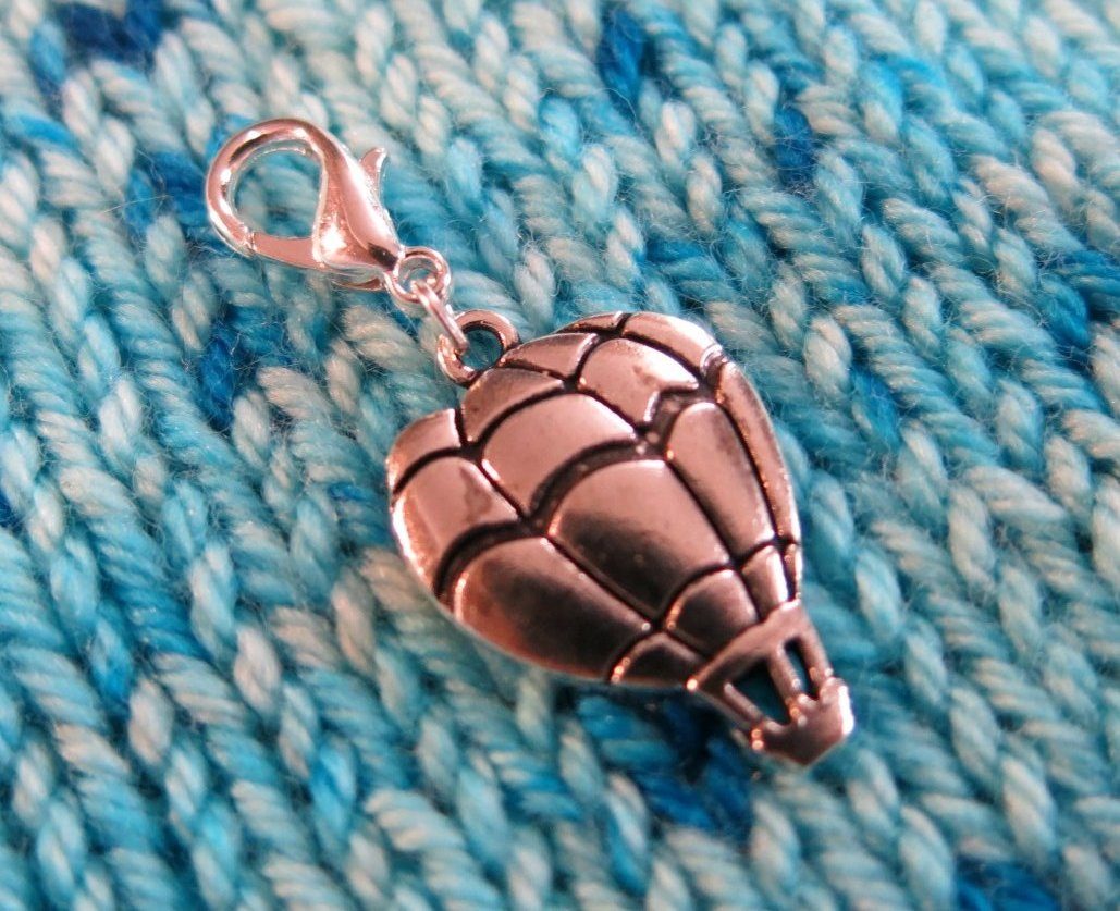 silver hanging hot air balloon charm for bracelets, bags and crochet
