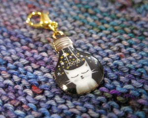 white cat enamel hanging charm for bracelets, bags and knitting