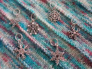 silver snowflake stitch marker set on snagless jumprings for knitting