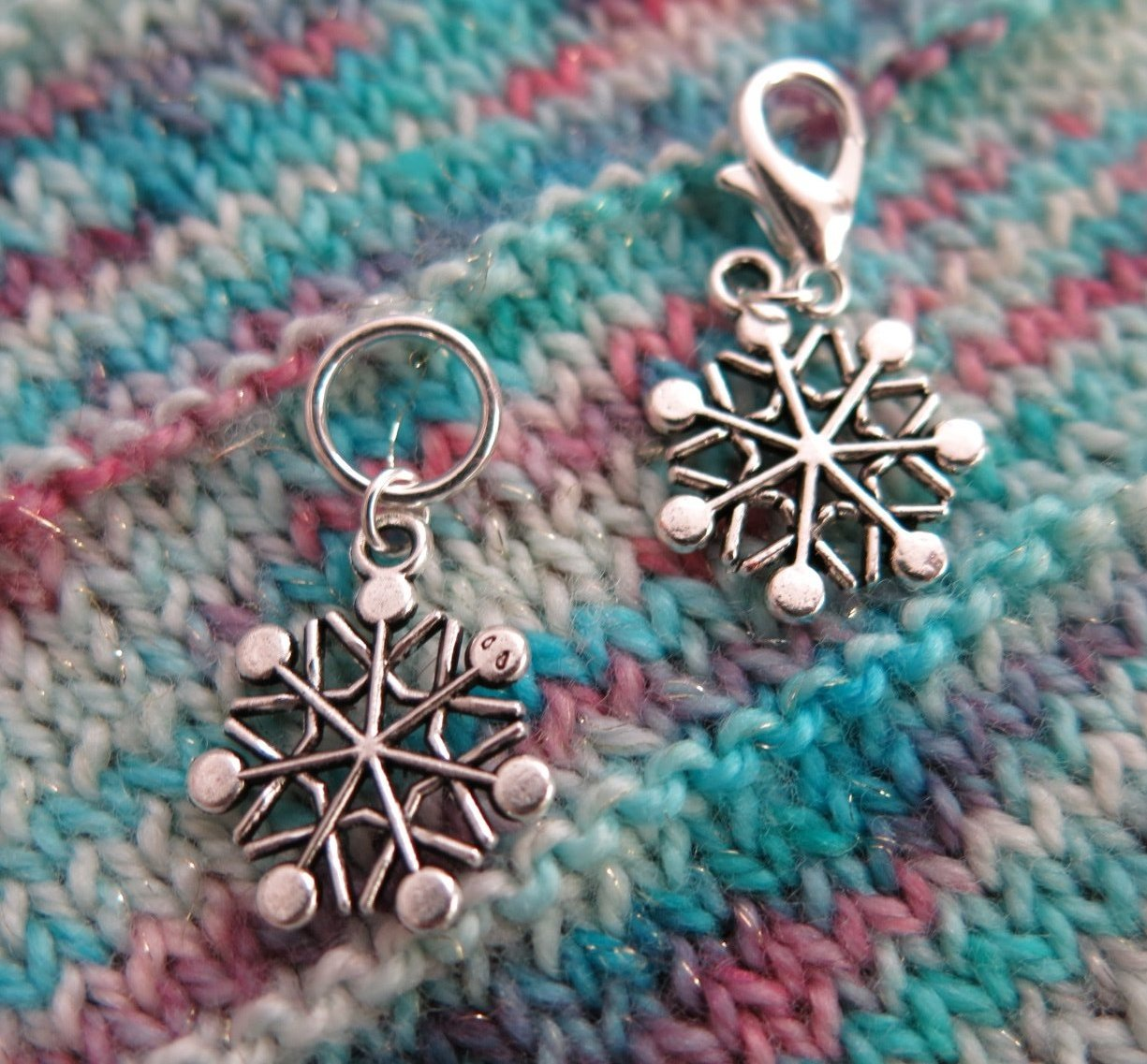 silver coloured snowflake hanging charms for bracelets, bags and zippers