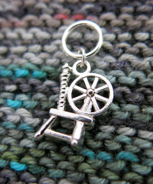 snagless jumpring stitch marker with a spinning wheel charm