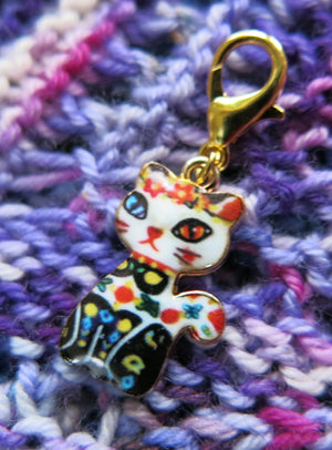 painted enamel cat charm for bracelets, bags and zippers