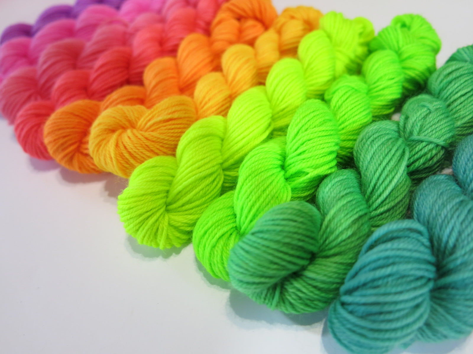 uv reactive rainbow merino yarn mini skeins