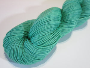 solid jade green superwash merino wool for weaving, knitting and other fiber crafts