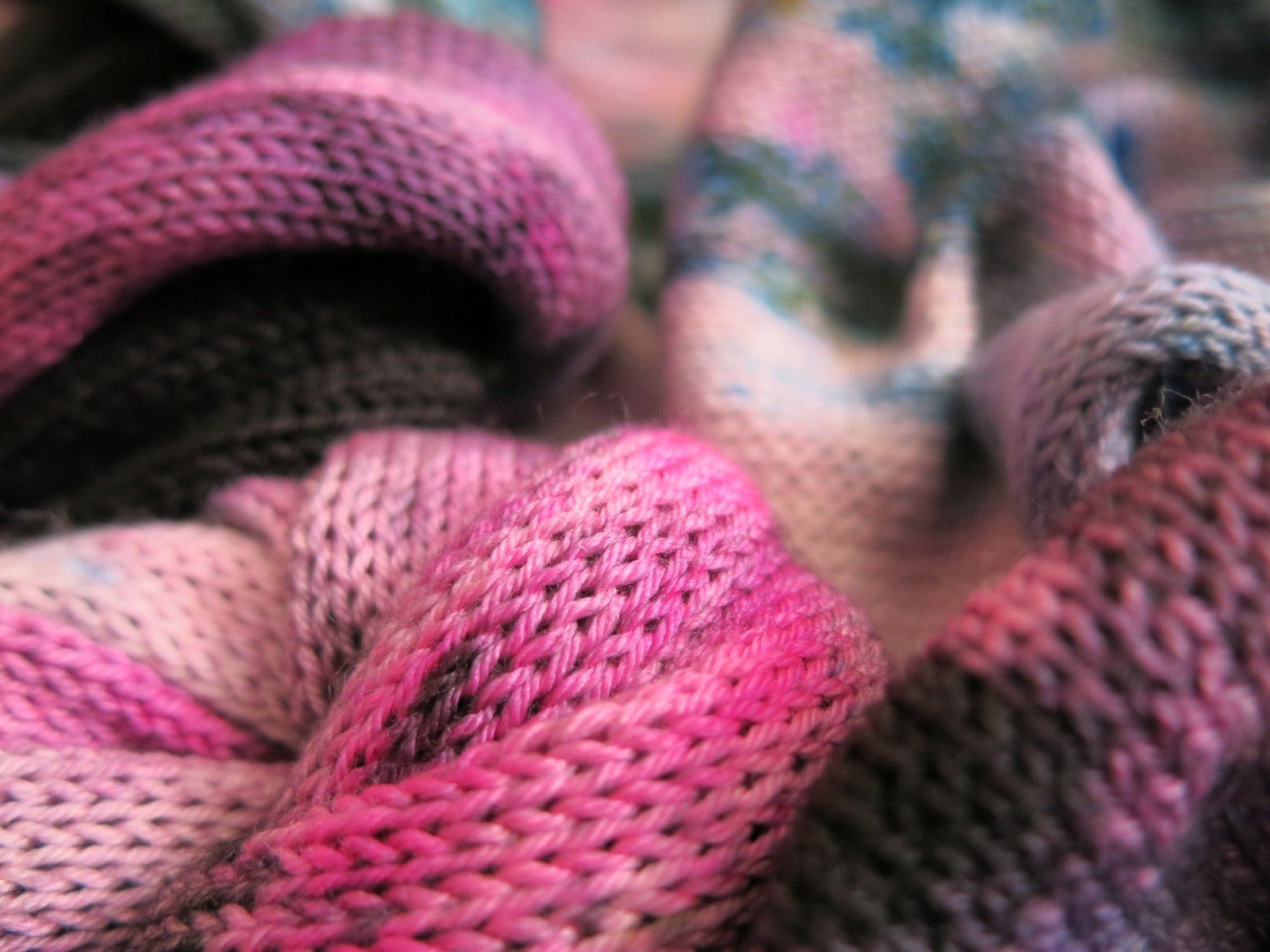 uv reactive pink sock blank by my mama knits