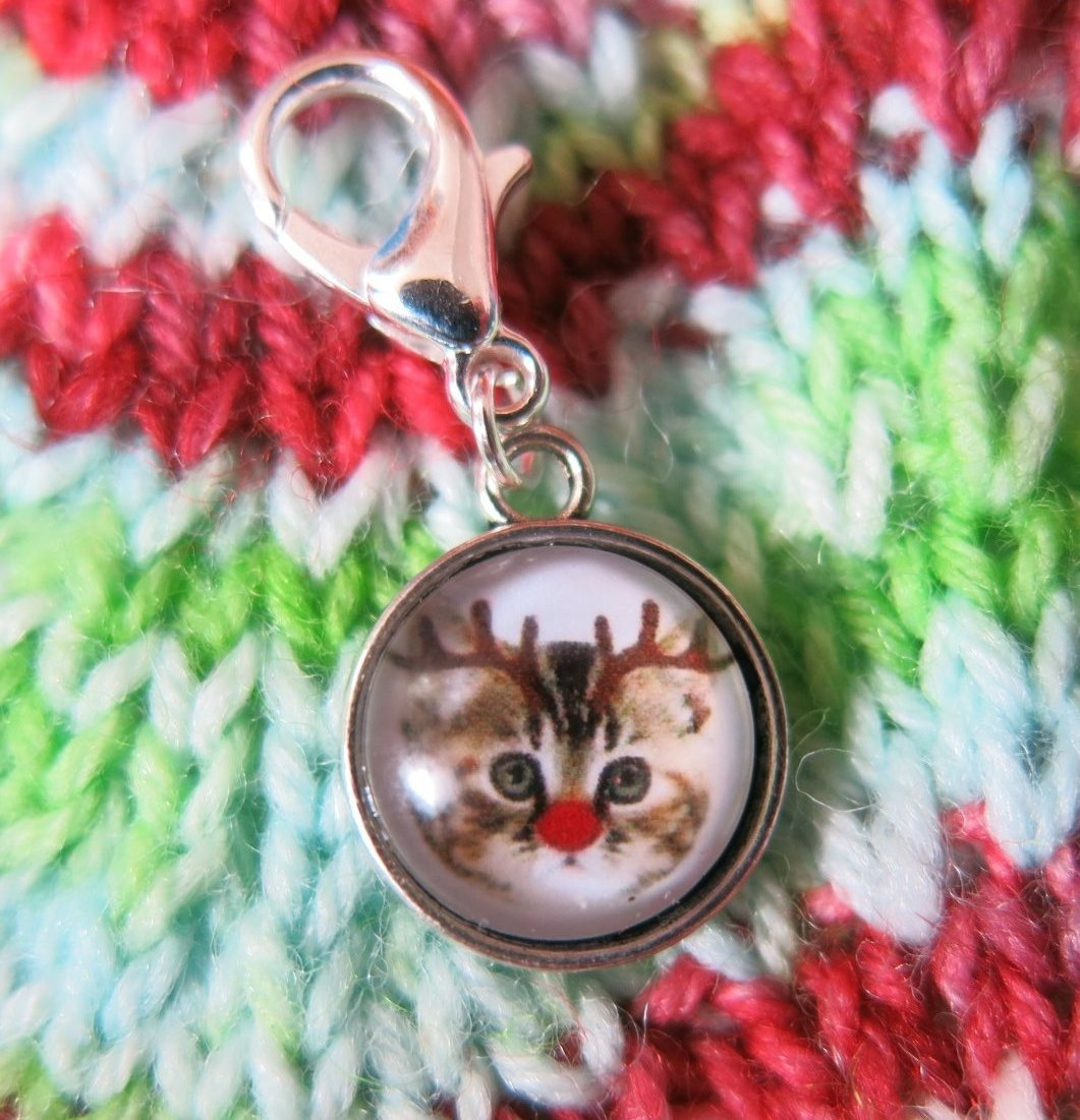 rudolph reindeer cat charm for bags, zippers and crochet